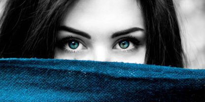 Poster - femeie cu ochi albaștri